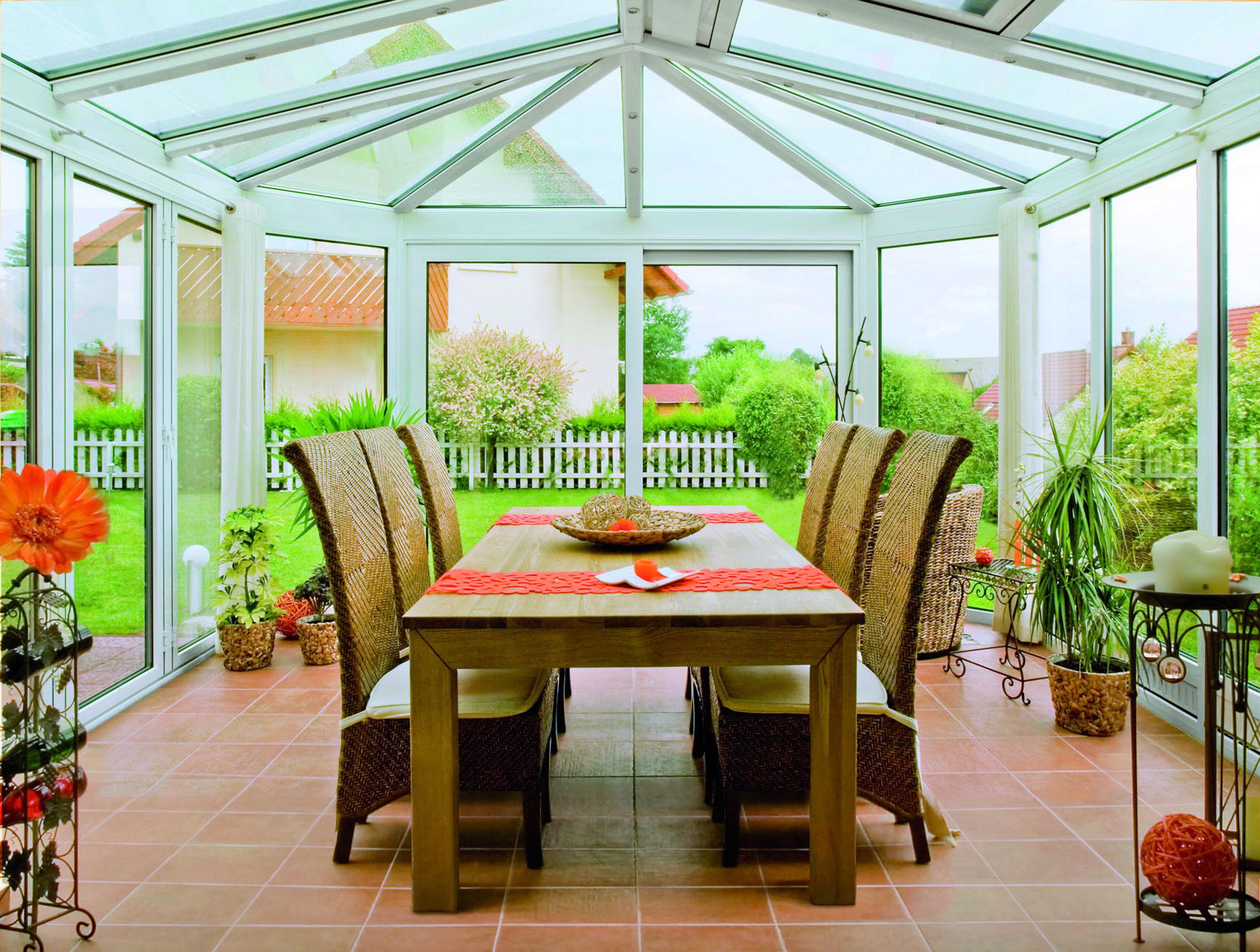 Le verande di oknoplast stanze a cielo aperto da vivere for Tavolo per veranda