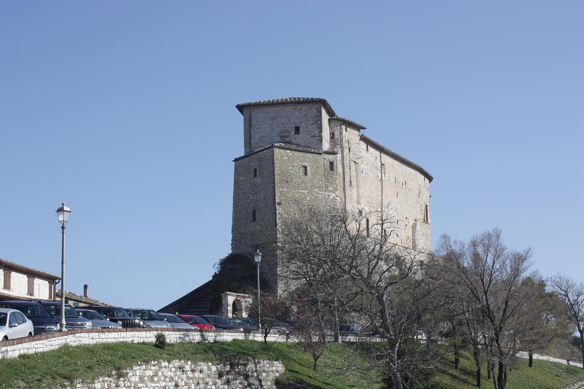 Frontone torna nel castello di babbo natale for Castello di frontone