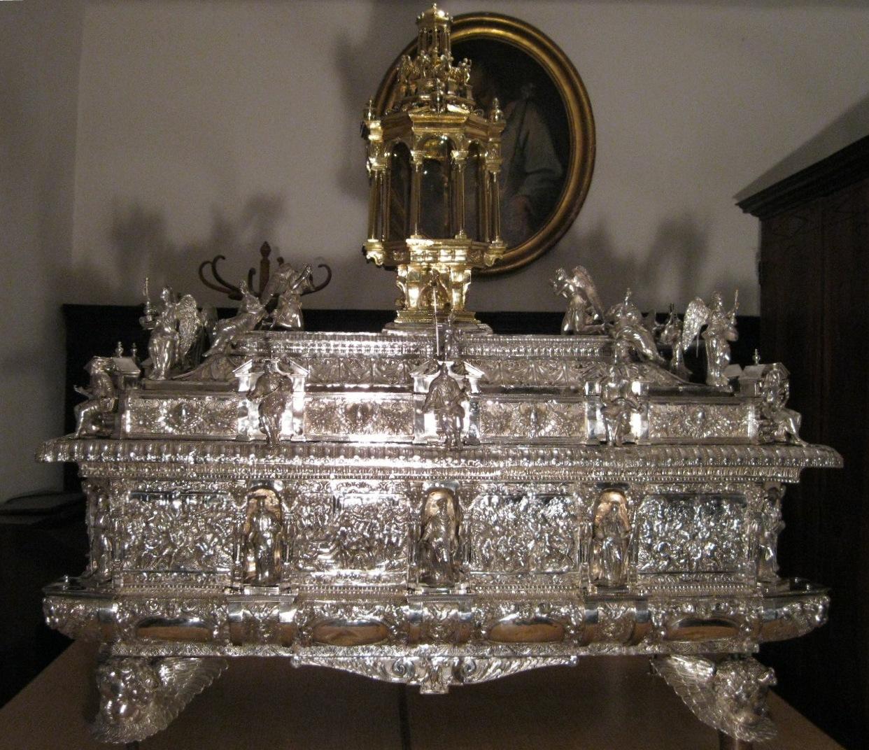 Museo del Tesoro di San Lorenzo - Restauro della cassa argentea del Corpus Domini