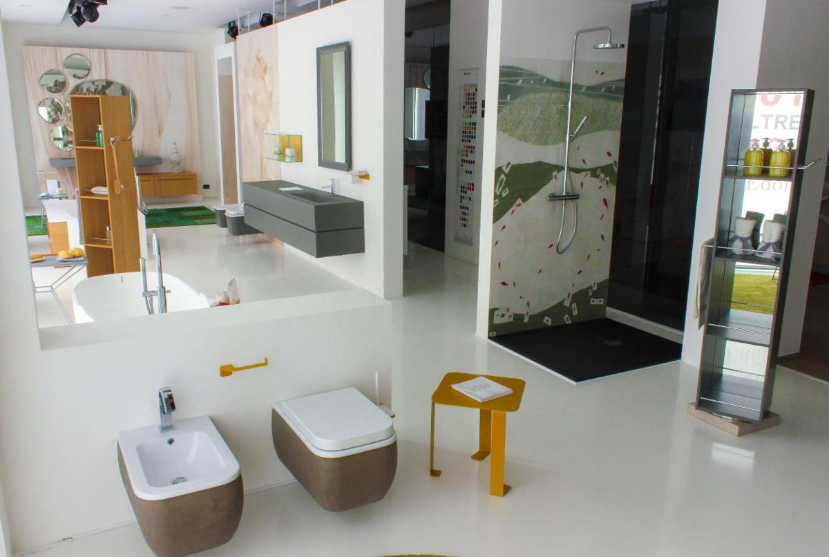 Larredo bagno si rinnova a 2013 oltre il bagno